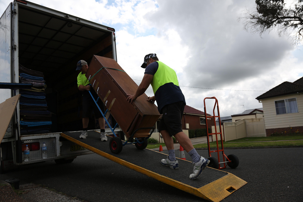 Tips for choosing the right removals company